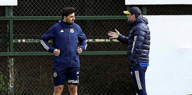 Fenerbahçe Teknik Direktörü Erol Bulut'tan futbolculara yakın takip