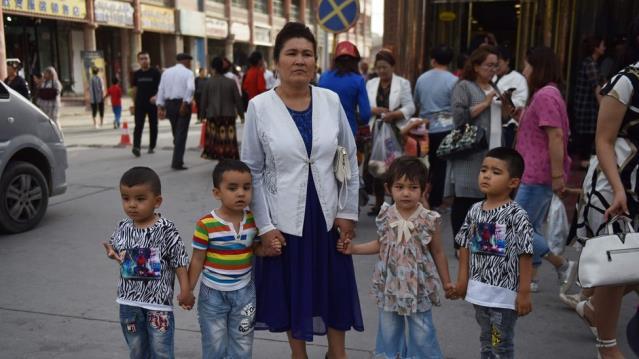 Uluslararası Af Örgütü: Çin Uygur çocukları ailelerinden ayırıp yetimhanelere gönderiyor